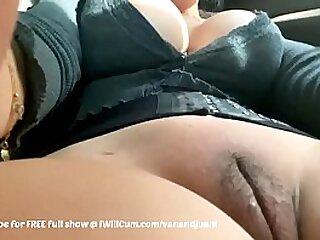 Fat Pair Indian Bhabi Aunty Making Herself Cum take Public View